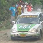 Miles de pobladores del VRAE vibraron con imponente carrera automovilística