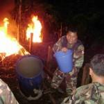 Policía destruyó tres laboratorios de elaboración de drogas cerca de Tingo María