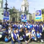 Más de 500 coalicionarios antidrogas realizan colorida presentación en Plaza de Armas de Lima