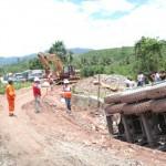 Por huelga cocalera paralizan trabajos de rehabilitación de carretera Fernando Belaunde