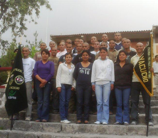 Escuela Pre Policial arrasó con vacantes en examen de admisión de Escuela de suboficiales de Ayacucho