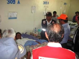 También visitó a los heridos