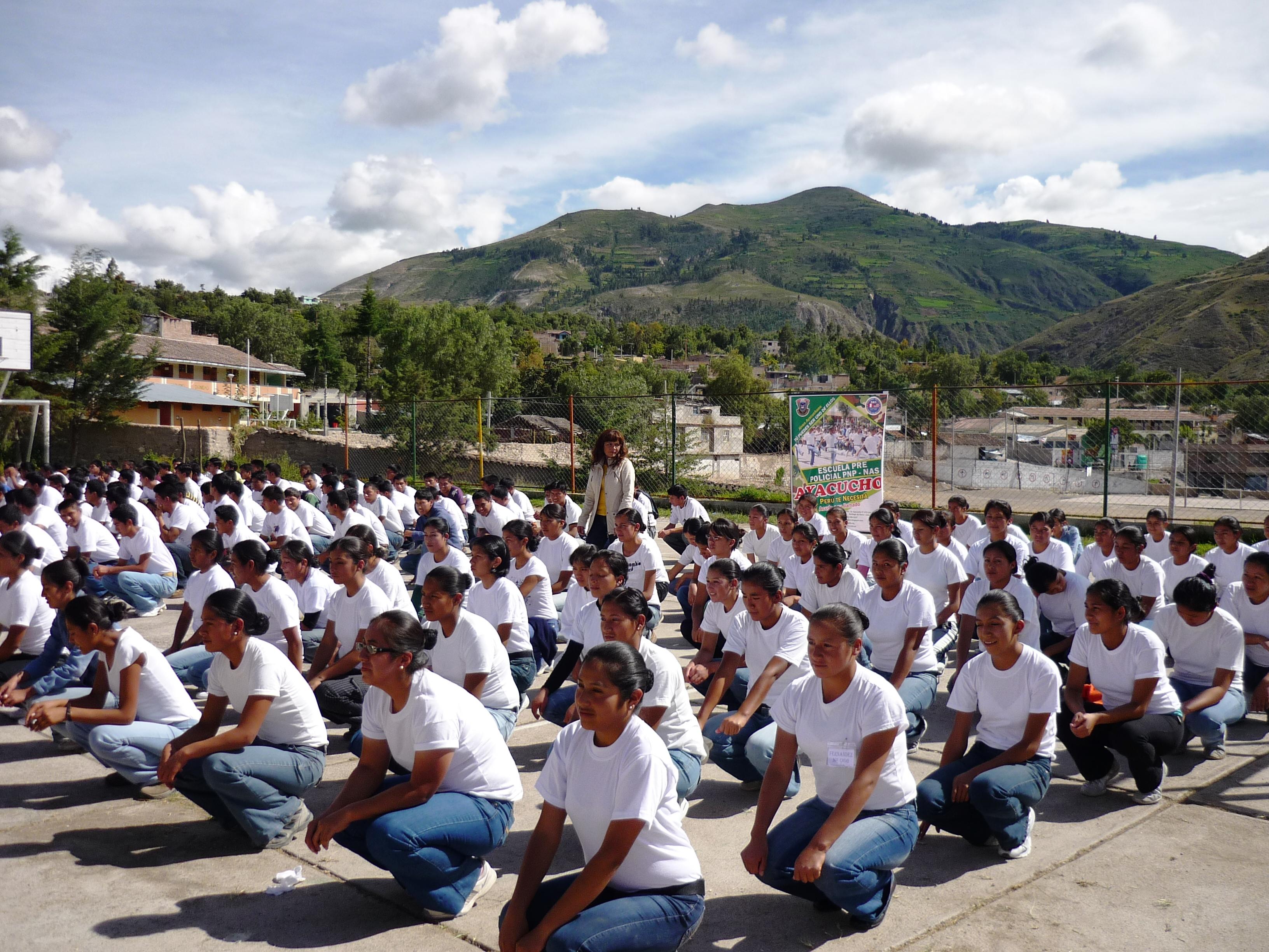 Escuela Pre Policial de Ayacucho ofrece 215 becas integrales a jovenes de la zona