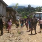 Policía desalojó a 500 invasores que habían tomado terrenos del Estado en Pichari, VRAE