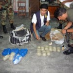 Pasajero abandona en terminal 15 kilos de pasta básica de cocaína en dos maletas