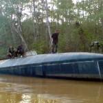 Hallan en selva de Ecuador submarino utilizado por narcotraficantes colombianos