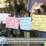 Pobladores realizan plantón para exigir el control del consumo de alcohol (video)