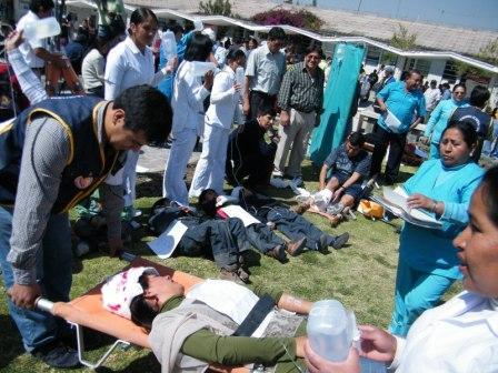 "Hospital regional de Ayacucho ""colapsó"" tras movimiento telúrico"