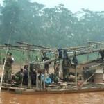 Intervienen tres embarcaciones por minería ilegal en reserva de Tambopata