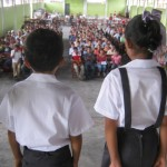 Entregan uniformes escolares a más de 4,500 escolares del Alto Huallaga