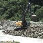 Inician limpieza y encauzamiento de ríos en casco urbano de Kimbiri