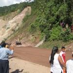 PROVIAS destinó maquinaria para reconstruir carretera Federico Basadre