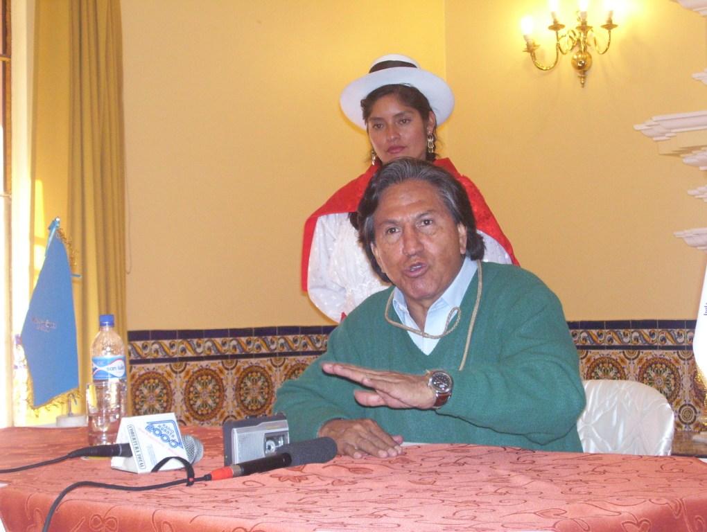 Alejandro Toledo propone dar prioridad a los corredores económicos en Ayacucho