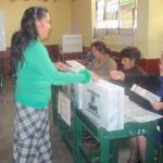 Autoridad electoral de Huamanga desplegó material hacia 80 locales de votación