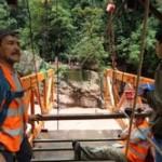 Reconstruyen puente colgante que conduce al Velo de la Novia