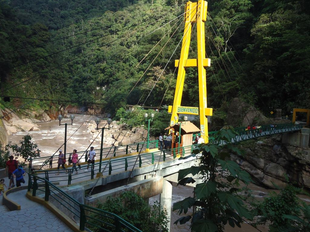073aa9e3a3 Pobladores de Boquerón toman atractivo turístico el Velo de la Novia ...