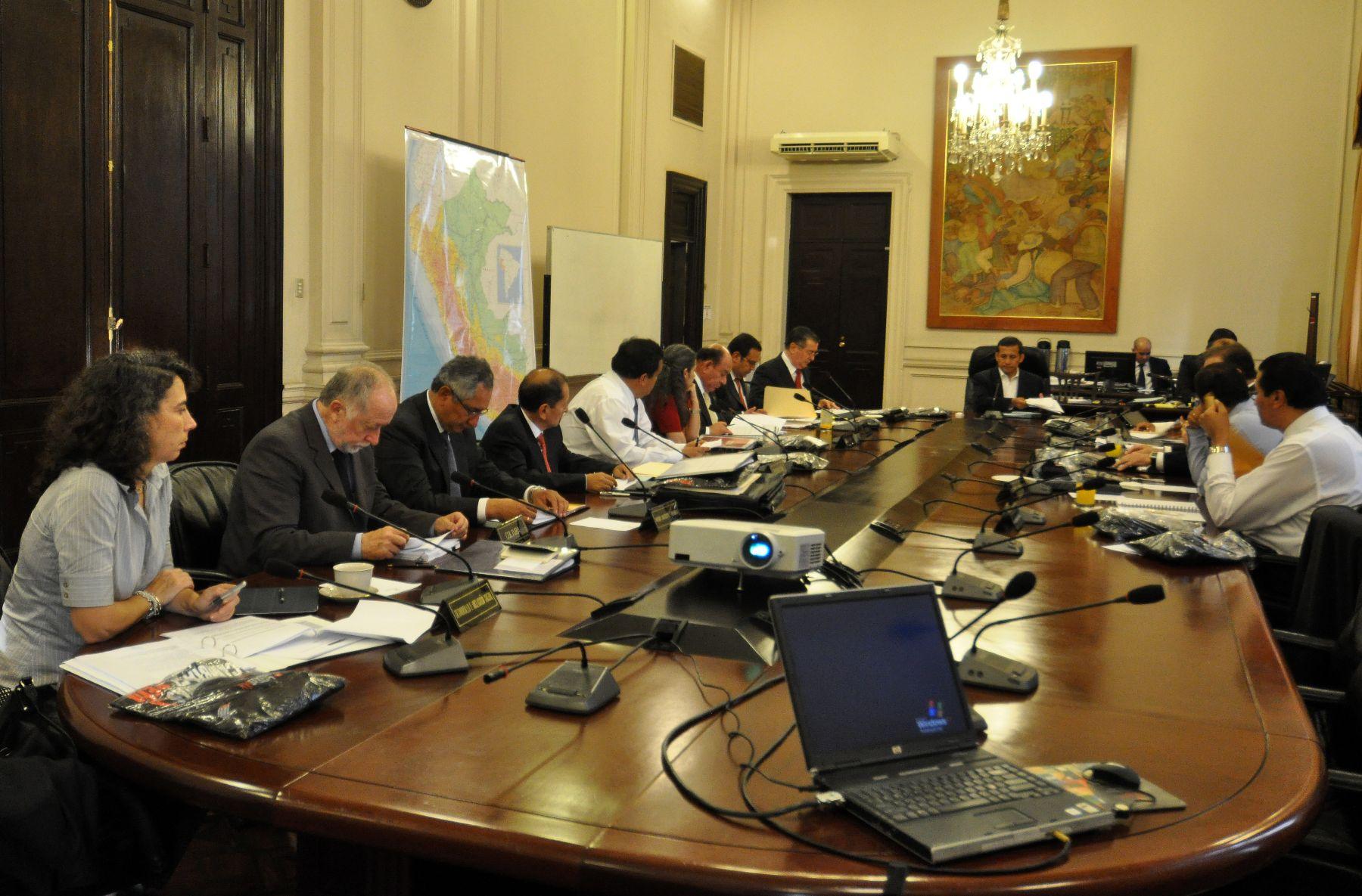 Aprueban medidas para controlar insumos qu micos usados for Clausula suelo consejo de ministros