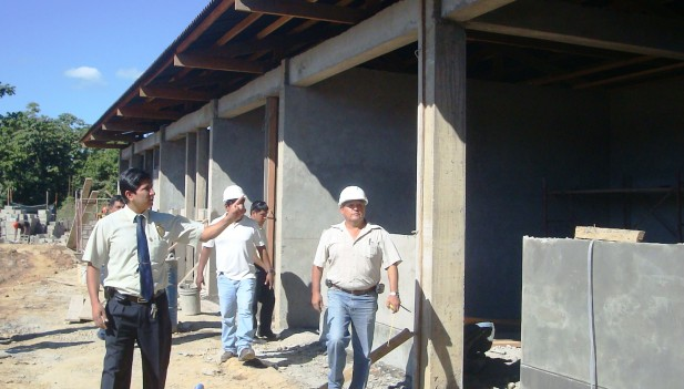 Vivero municipal de tambopata tiene un avance de 80 for Proyecto de vivero municipal