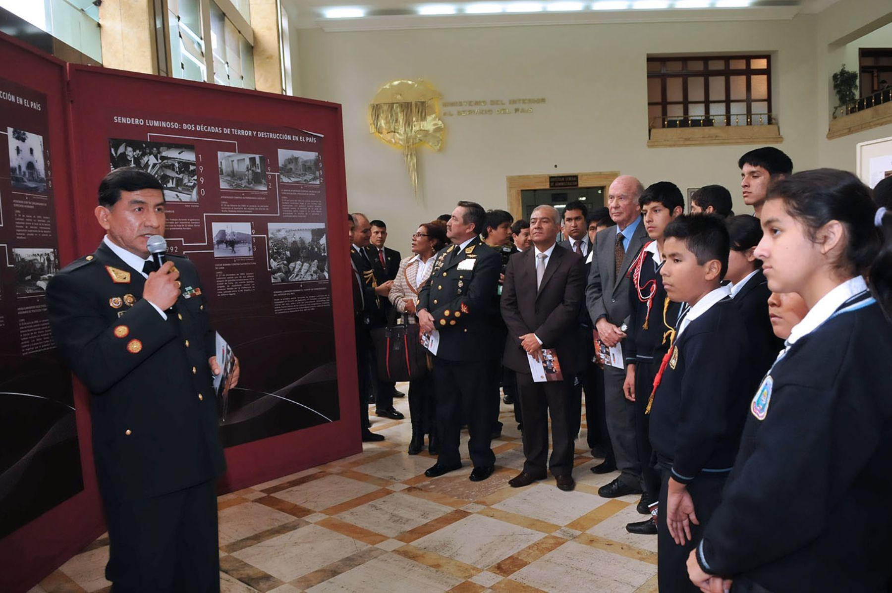 Ministerio del interior abre muestra sobre captura de for Correo ministerio del interior