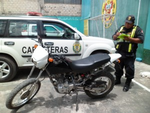 Incautan motocicleta con placa clonada proveniente de Tocache