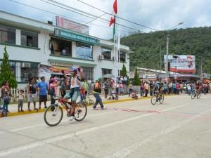 """Ciclistas de seis ciudades participaron en la competencia """"Por las Rutas de Satipo"""""""