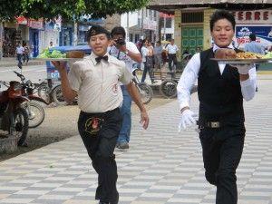 Realizan carrera de mozos en Satipo