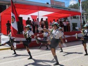 Escolares, policías y militares reafirmaron lealtad al bicolor patrio en Satipo