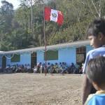 Entregan aulas prefabricadas en Kimbiri
