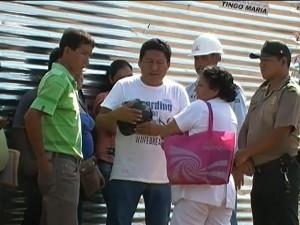 Partidarios de gobernador regional de Huánuco exigen trabajo en Tingo María