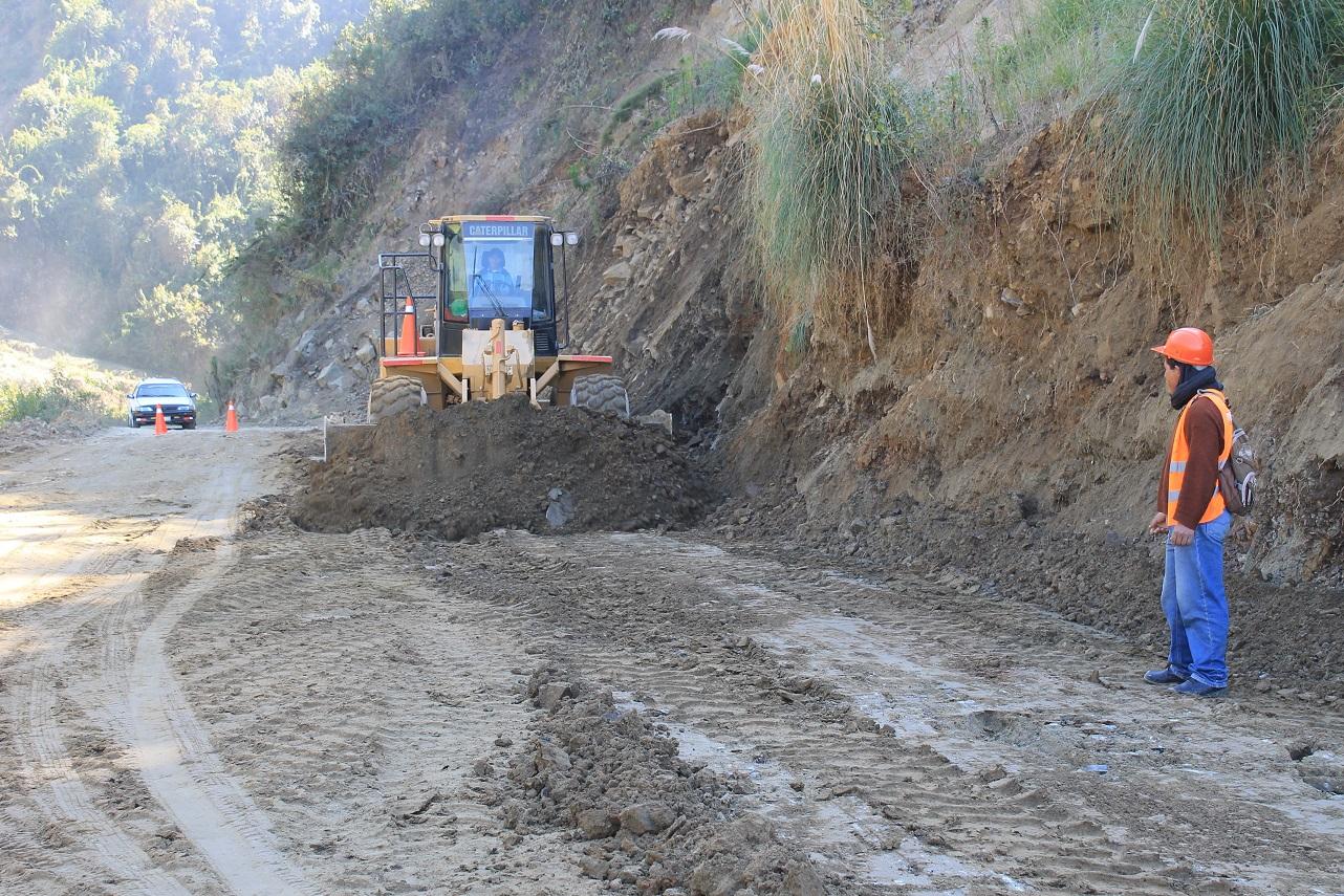 Lista maquinaria para retomar mantenimiento de vía Pachachupán ...