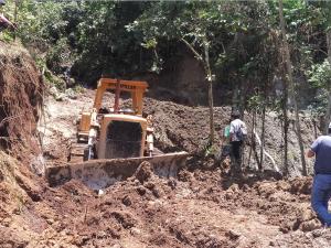 Se inicia construcción de vía que unirá tres distritos en Mariano Dámaso Beraún