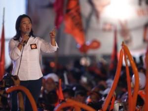 Keiko Fujimori cerró su campaña en el Estadio Monumental