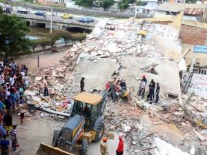Más de 2 500 heridos y 350 fallecidos a causa del terremoto en Ecuador