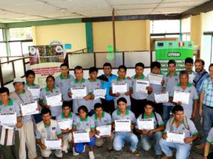Vraem: Productores de Satipo se gradúan como administradores de fincas de café
