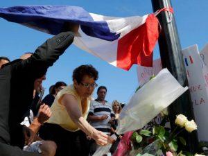 Francia: Van 84 fallecidos tras ataque terrorista en Niza