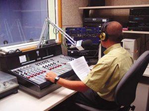 Lanzaron concurso público para otorgar 45 frecuencias de radio FM