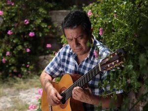 """Óscar Figueroa: """"Soy un guitarrista disciplinado y comprometido"""""""