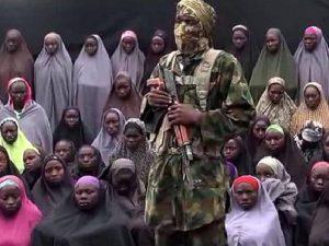 Nigeria afirma haber herido a líder de Boko Haram en un bombardeo