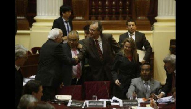 Carlos basombr o 9 de cada 10 ciudadanos se siente for Ministro del interior 2016