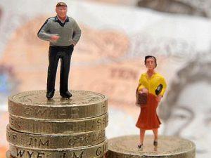 Oficialismo propondrá ley de igualdad de sueldos para hombres y mujeres