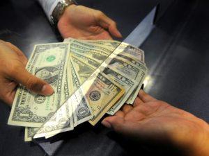 Economía: Tipo de cambio cae a S/3.385