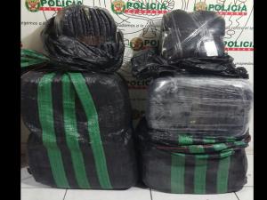 Tingo María: PNP decomisó 70 kilos de hoja de coca
