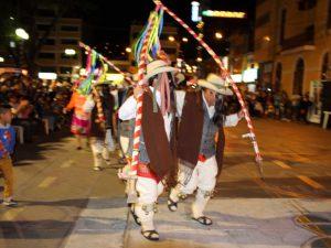 Rinden homenaje a Llata con colorido desfile y danza