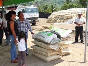 Vraem: Agricultores reciben herramientas para mejorar cultivos de cacao y café
