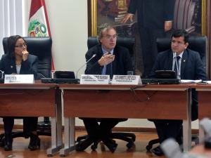 """Carlos Basombrío: """"Hospital de la PNP contará con equipos de alta tecnología"""""""