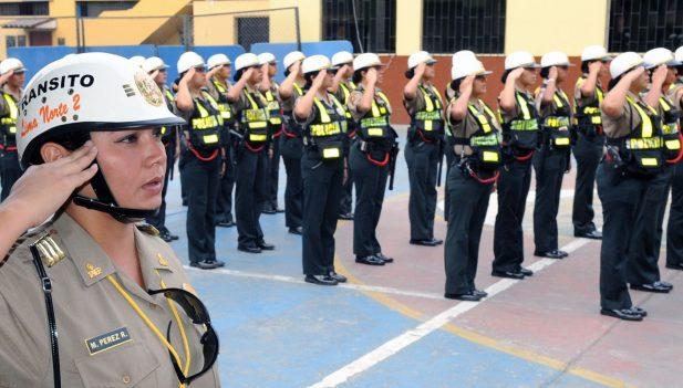 Congreso aprob adelanto de sueldos de polic a y ff aa for Sueldos del ministerio del interior
