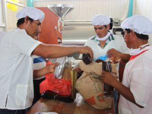 Vraem: Devida entregó módulos de procesamiento de cacao y café