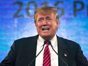 Abuchean a Donald Trumpo al momento de votar