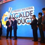 Premian a 17 alcaldes de 9 regiones por impulsar desarrollo productivo