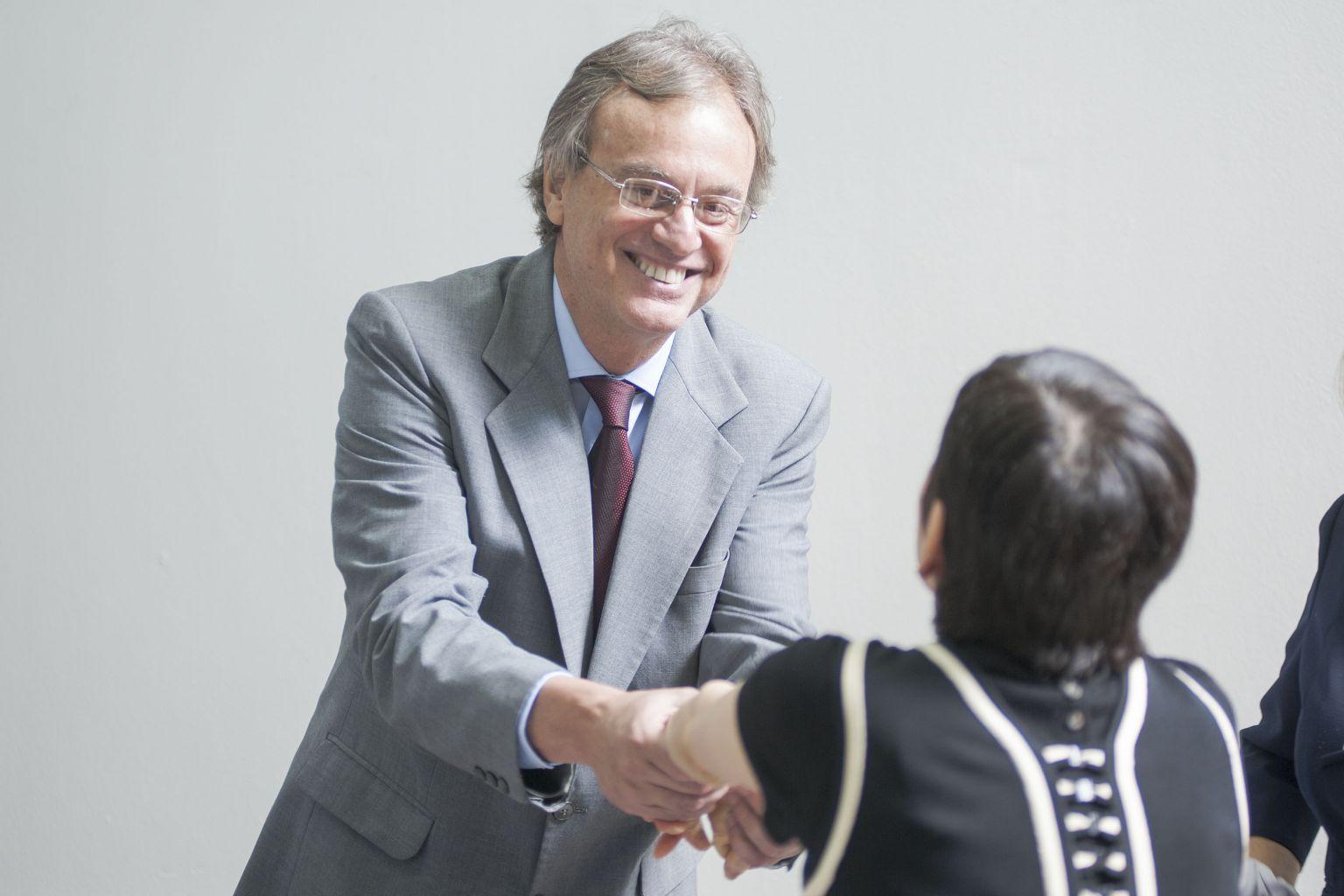 Mininter inaugur sala de la nacionalidad peruana en sede for Agenda ministro del interior